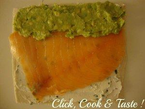 Makis de pain de mie : saumon, avocat et fromage frais
